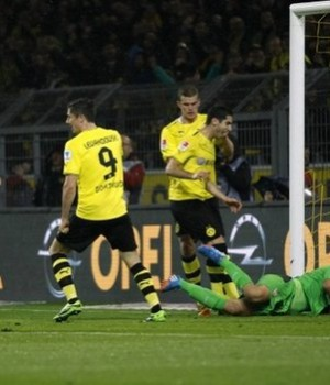 Borrusia Dortmund mauling of Sttutgart