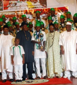 The victorious Eaglets and President Jonathan