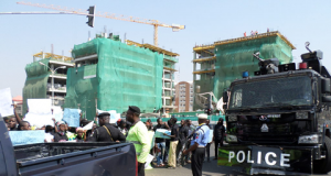 Armed policemen at pro-Amaechi rally in Abuja