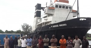 Suspected-crude-oil-thieves-with-their-vessel-in-the-background.