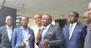 Lagos State Governor, Mr. Akinwunmi Ambode (2nd right) fielding questions from government house correspondents, with Leader of the Team of Investors Mr. Idowu Iluyomade (2nd right), C.E.O, Wichtech, Dr. Chidozie Nwankwo (middle), Managing Director/C.E.O, Design Extra, Yemi Idowu (left) and Chairman, Amazon Energy, Trevor Akindele (left) during the Governor's meeting with group of Local, International investors and Banks at Lagos House, Ikeja,