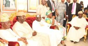 Lagos State Governor, Akinwunmi Ambode with First Daughter of deceased, Mrs. Omotola Oyediran, National Leader, All Progressives Congress (APC), Asiwaju Bola Tinubu, former Governor of Ekiti State, Dr. Kayode Fayemi and first civilian Governor of Lagos State, Alhaji Lateef Jakande during the Governor's condolence visit to the Family of Late Hannah Idowu Dideolu Awolowo at their Ikenne residence in Ogun State