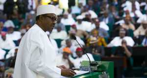 Buhari presents 2016 budget