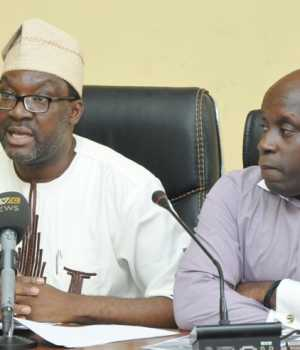 Lagos State Commissioner for Information & Strategy, Steve Ayorinde (middle), flanked by Special Adviser to the Governor on Sports, Deji Tinubu during a Media briefing on the forthcoming Lagos City Marathon, at the Bagauda Kaltho Press Centre, the Secretariat, Alausa, Ikeja, on Tuesday