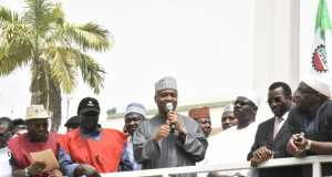 Saraki addressing the NLC:TUC rally in AbujaSaraki addressing the NLC:TUC rally in Abuja