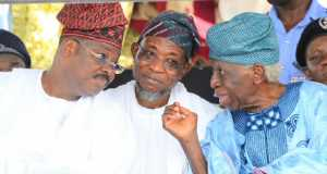 Gov. Abiola Ajimobi, Gov. Rauf Aregbesola and former Governor of Oyo State, Omololu Olunloyo at the coronation ceremony
