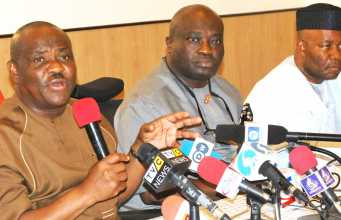 L-R: Governors Nyesom Wike (Rivers),,Okezie Ikpeazu (Abia) and the Senate Majority Leader, Senator Godswill Akpabio during a press conference at the PDP National Convention in Port Harcourt on Saturday.