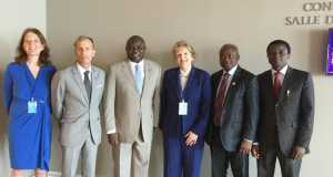 L-R: Lagos State Governor, Mr. Akinwunmi Ambode (3rd left), with Marijke Winjros; Executive Director, the Global Fund, Dr. Mark Dybul; Director, Global Fund and Global Affairs, UNAIDS, Deborah Von Zinkernagel; Commissioner for Health, Dr. Jide Idris and Director, Lagos State AIDS Control Agency (LSACA), Dr. Seyi Temowo during a meeting on the Global Fund Grant for AIDS Response Initiatives between Lagos State and Global Fund in New York, U.S.A, on Wednesday,