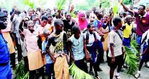 Protesting Oyo pupils on Monday