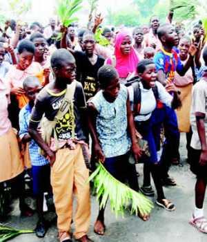 Protesting Oyo pupils on Monday