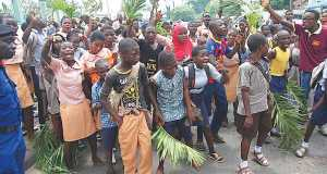 Protesting pupils of Oyo public schools