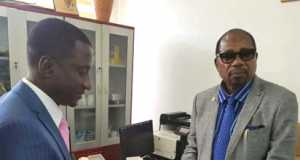 Uchechukwu Ogah receiving Certificate of Return