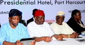 Govs Rauf Aregbesola of Osun, Nyesom Wike of Rivers, former Gov of Ogun, Aremo Olusegun Osoba and NGE President, Funke Egbemode at the 12th All Nigeria Editor's Conference