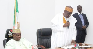 R-L: Chairman, Sokoto State committee for the revival of agriculture, Chiso Abdullahi Dattijo, making remarks during a meeting with bankers and rice anchor farmers in Sokoto. Listening is Governor Aminu Waziri Tambuwal.