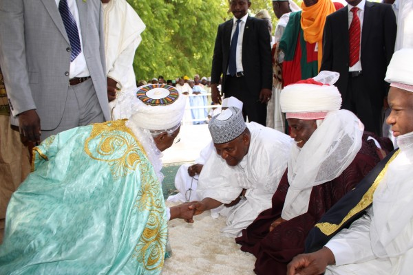 Former President Shehu Shagari exchanging pleasantries wuth Aliko Dangote, Governor Aminu Waziri Tambuwal and Sultan Muhammad Sa'ad Abubakar shortly after the eid prayers at the Sokoto Central Eid Ground..