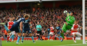 Arsenal's Petr Cech made three goods saves against Middlesbrough