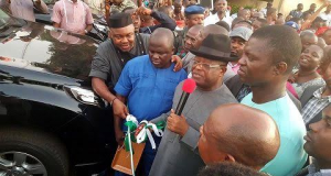 Gov. Umahi unveiling the Prado Jeeps