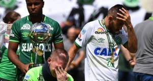 Chapecoense's Follmann and Ruschel were in tears at the trophy presentation