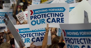 U.S. rallies to support ObamaCare