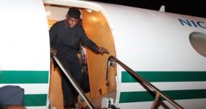 Osinbajo disembarks from Presidential jet