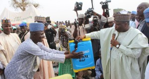 Tambuwal distributes farming aids