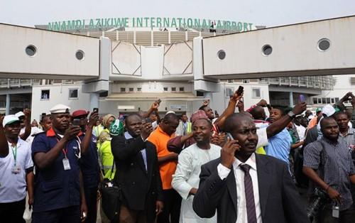 Buhari hails re-opening of Abuja airport