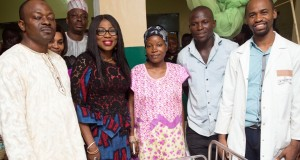Bolanle Ambode (2nd left); representative of the Managing Director, Epe General Hospital, Dr. Jolaosho (left); Parents of the triplets, Mr. & Mrs. Segun Akinmosin and Dr. Akinwale Shodunke (right) during the gifts presentation by the wife of the governor to the triplets and their mother at the Epe General Hospital,