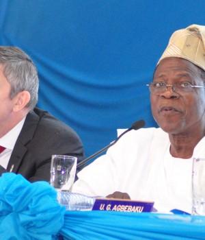 Nicolaas Vervelde, Managing Director/CEO, Nigerian Breweries Plc; Chief Kola Jamodu (CFR), Chairman, Nigerian Breweries Plc