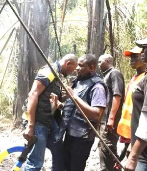 Police and local vigilance group storm kidnappers' den