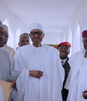 President Buhari attends Jumat prayer