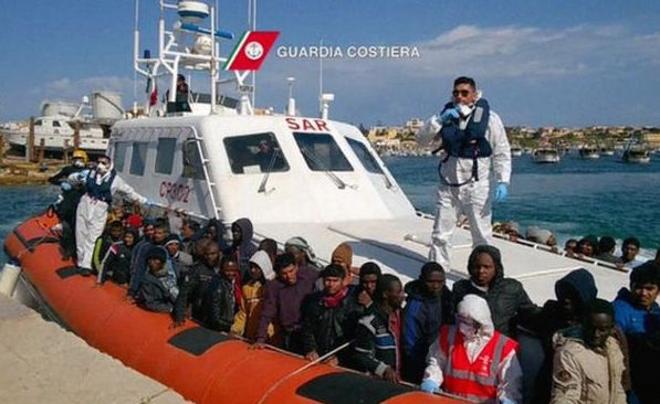 250 missing in 2shipwrecks in Mediterranean