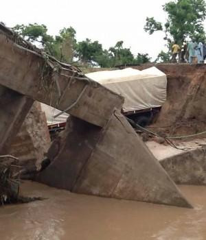 The collapsed Tatabu bridge