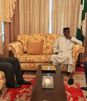 Buhari receives Saraki an Dogara in London