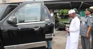 Controller-General-of-Customs, Hameed Ali inspects illegally imported car