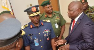 Gov. Ambode discussing with military chiefs in Lagos