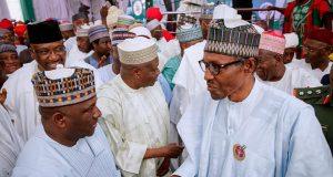 Buhari with APC stakeholders in Kano
