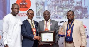GM External Relations, The Shell Petroleum Development Company of Nigeria Limited, Igo Weli; President, Petroleum Technologies Association of Nigeria (PETAN), Bank Anthony Okoroafor; Managing Director, Shell Nigeria Exploration and Production Company (SNEPCo), Bayo Ojulari; and SNEPCo's Nigerian Content Manager, Austin Uzoka, at the PETAN Awards Ceremony in Lagos.