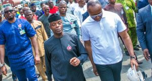 Osinbajo and Kachikwu during a visit to Apapa, Lagos to monitor fuel loading situation