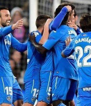 Getafe players celebrating the lone goal