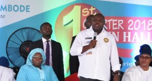 Gov. Ambode addressing stakeholders at the 1st Quarter 2018 Town Hall meeting at De Blue Roof, LTV complex