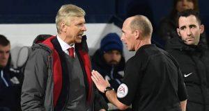 Wenger confronts a coach