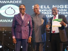 L-R: Minister of State for Petroleum Resources, Dr. Ibe Kachikwu; Country Chair, Shell Companies in Nigeria and Managing Director of The Shell Petroleum Development Company of Nigeria Limited (SPDC), Osagie Okunbor; and the Managing Director, Shell Nigeria Exploration and Production Company, Bayo Ojulari, during the presentation of The Best International Company in Technology and Innovation to Shell at the 2018 Nigeria International Petroleum Summit held in Abuja