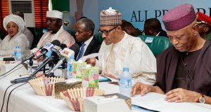 President Buhari flanked by Oyegun,Osinbajo, Okorocha