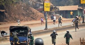 Protesters chase Guinean security in Conakry