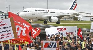 Protesting Air France workers