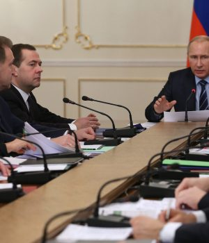 Russian President Vladimir Putin, center, meets with the Cabinet