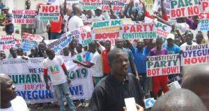 Protesters storm APC secretariat