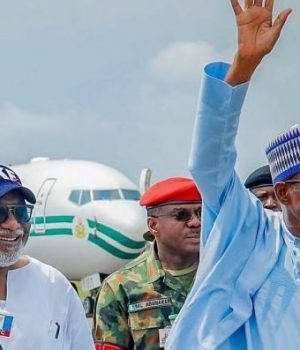 Gov. Akeredolu and President Buhari in Ado-Ekiti to campaign for Kayode Fayemi