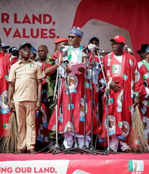 President Buhari addressing the Ekiti rally