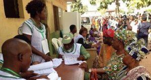 Voters-voting-in-Ekiti